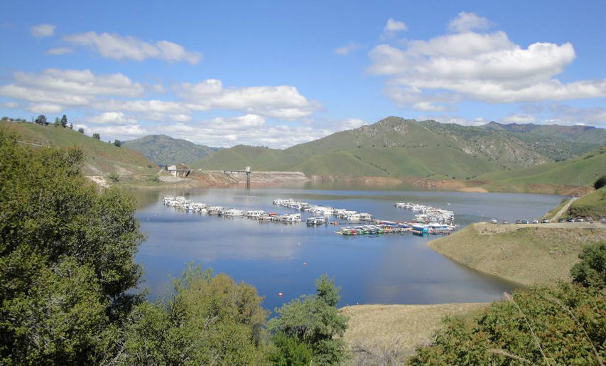 Country properties three rivers california real estate for Lake kaweah fishing